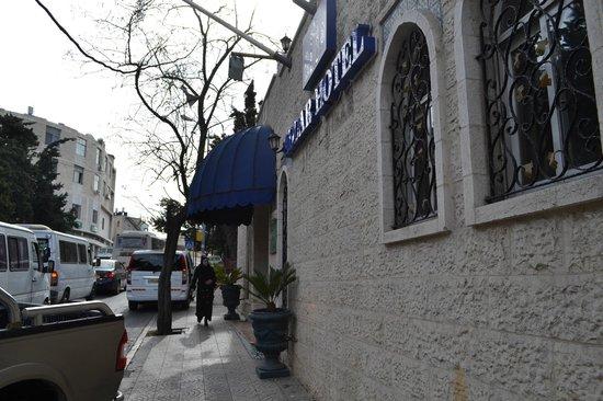Addar Hotel: единственный работающий вход с Наблус-роуд