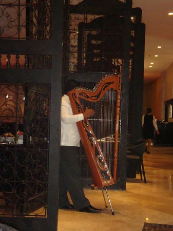 Secrets Maroma Beach Riviera Cancun : Sometimes they have music at breakfast