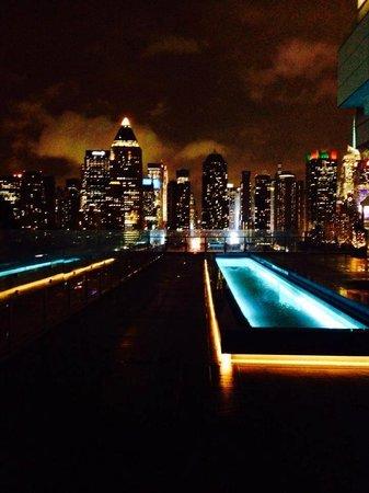 Kimpton Ink48 Hotel: roof top bar
