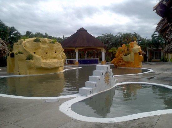 Palma Real Beach Resort & Villas: piscine  sale