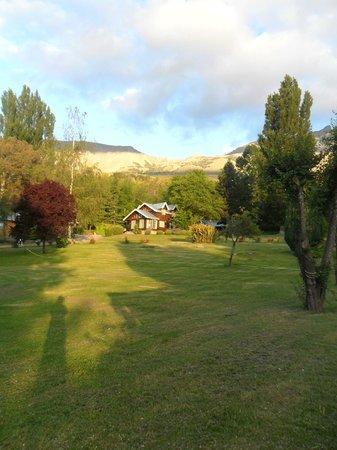 Cabañas El Arroyito: Desde el parque