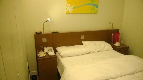 Ambassadors Bloomsbury: bedroom