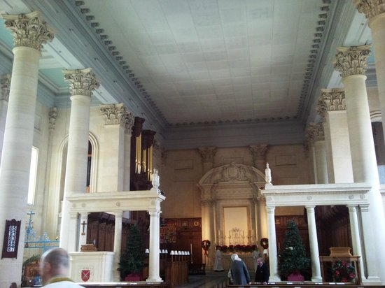 St. Paul's Anglican Pro-Cathedral: Interno