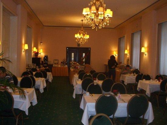 Hotel Monopol: Breakfast / DiingRoom