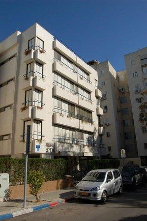 Arbel Suites Hotel: Вид с улицы