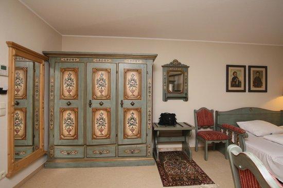 BEST WESTERN PLUS Hotel Erb: Резная мебель ручной работы в Баварском стиле