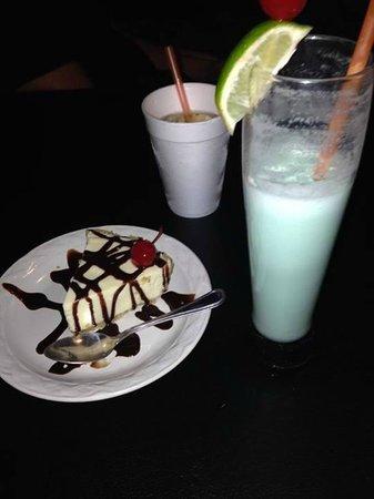 Bahia Tortuga Restaurant - Bar: Key lime pie
