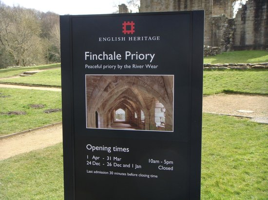 ‪Finchale Priory‬