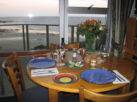 Nugget Lodge: Dinner at Lighthouse Unit