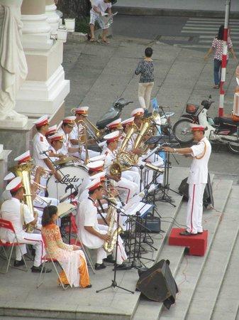 Hotel Continental Saigon: Concert