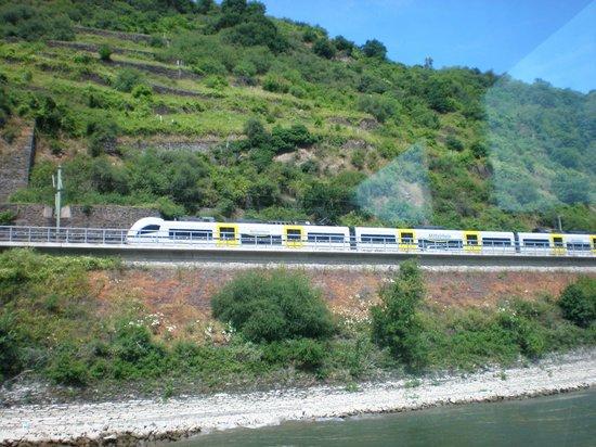 Hotel & Restaurant Pinger: TRAINS ALONG SIDE RIVER RHINE