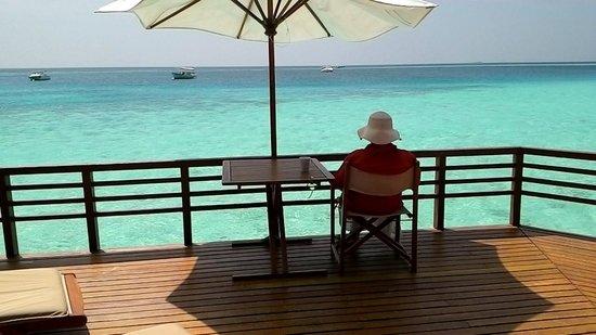 Baros Maldives : Blick von der Water Villa