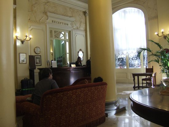 Grand Hotel et Des Palmes : Reception and part of lobby