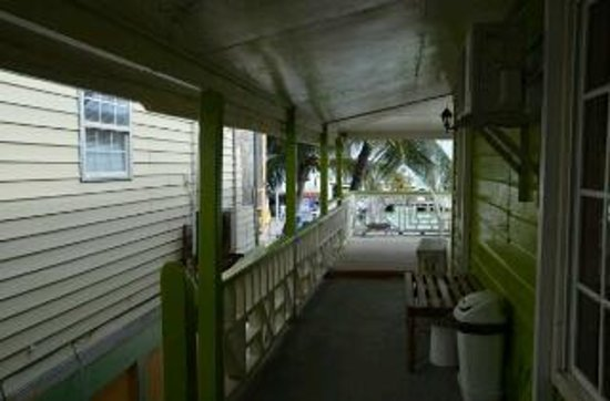 DC & Szana's Country Cabana: Tio Pil's