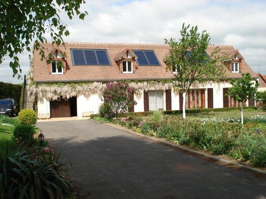 Levergies, France : Vue d'ensemble de la maison