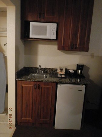 Clarion Inn & Suites: kitchen sink an extra plus