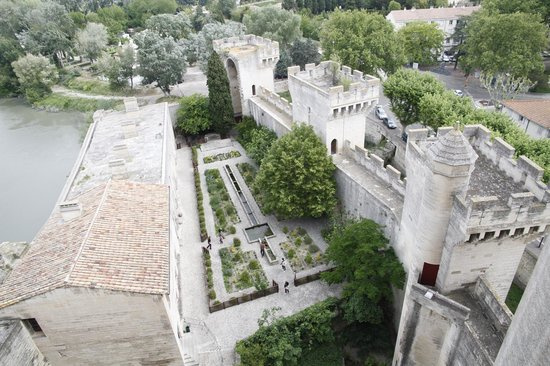 Chateau de Tarascon: The Castle