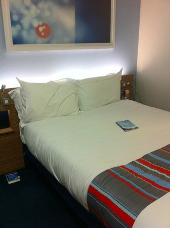 Travelodge London Central Tower Bridge : bed