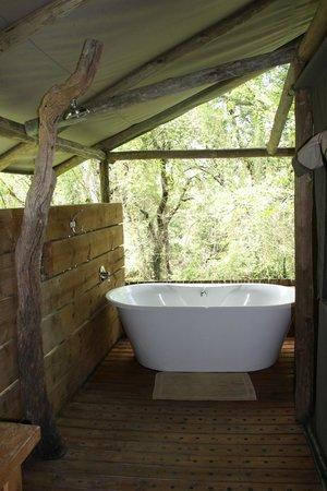 Summerfields Rose Retreat & Spa: Salle de bain de la chambre