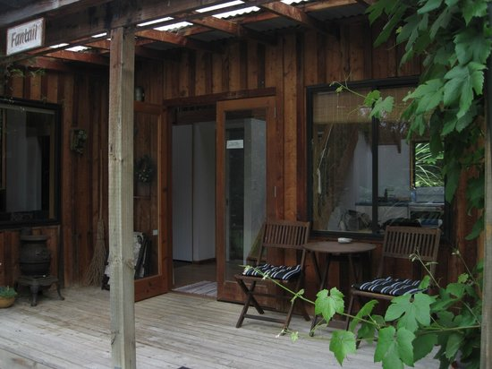 Fantail Lodge: The Entrance of the Fantail Cottage