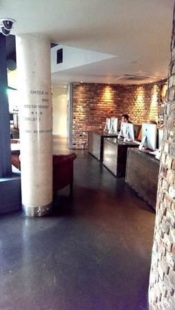 The Hoxton, Shoreditch : Free internet in the lobby, and free wifi throughout the Hoxton