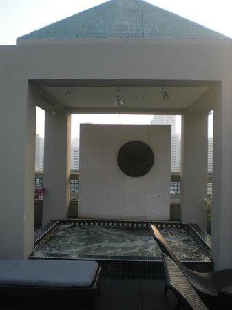 Chateau de Bangkok: vasca idromassaggio sul tetto