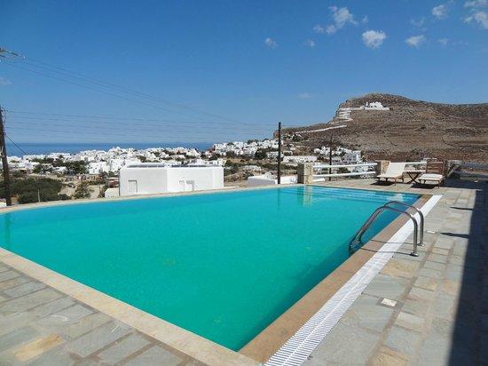 Solaris Hotel : Swimming pool (Day)