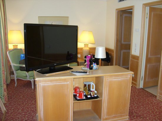 Crowne Plaza Hotel Salzburg - The Pitter: TV