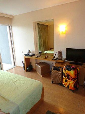 Palace Hotel Bomo Club: Grande chambre