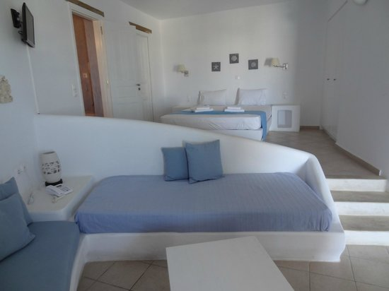 Solaris Hotel : Living room and bed room