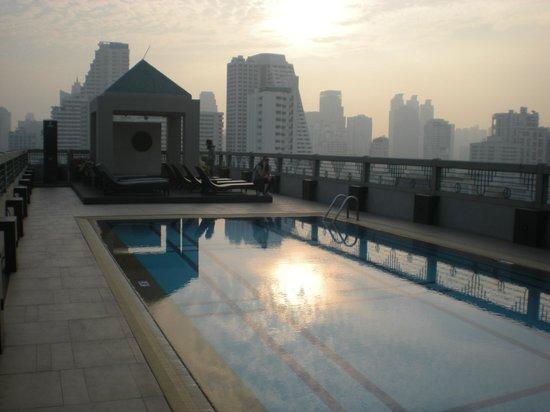 Chateau de Bangkok: piscina sul tetto