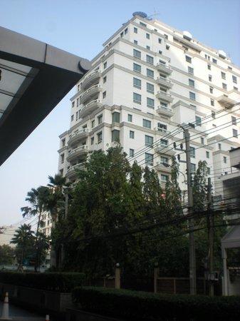 Chateau de Bangkok: l hotel visto dall'esterno