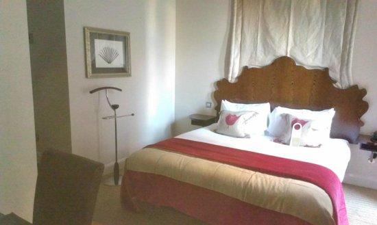 Radisson Blu Edwardian Grafton Hotel: Chambre avec lit King Size