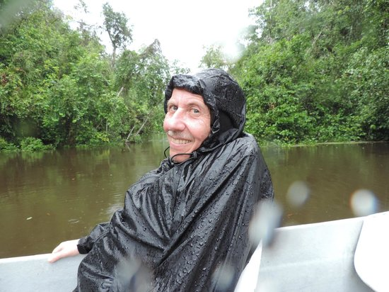 Kinabatangan Riverside Lodge : River trip in the Monsoon Rain