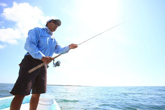 Fisherman Fishing Lodge: Spin the reel