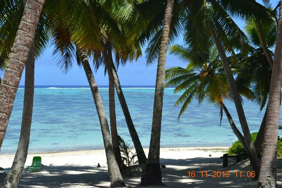 Amuri Sands, Aitutaki: view from the porch, no zoom