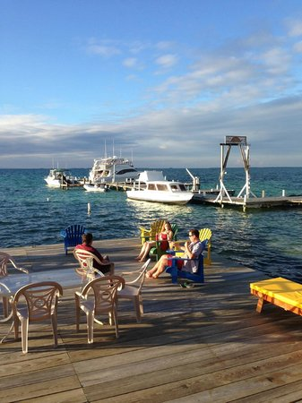 Blue Marlin Beach Resort: Dock by the restaurant