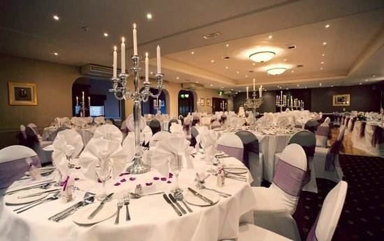 The Tudor Hotel: Tudor Suite (Photo by Fowlis Photography)
