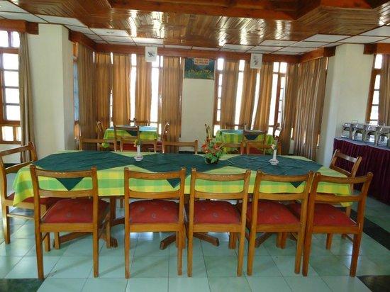 Hotel Mamleshwar (HPTDC): dining area
