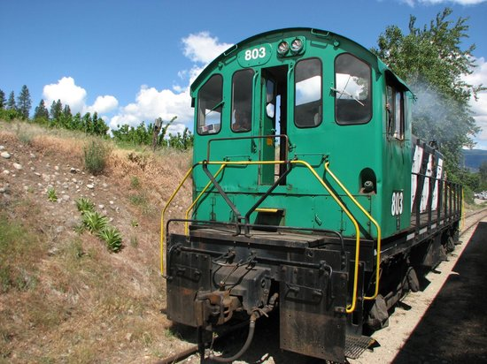 Kettle Valley Steam Railway: Moving the engine to go back