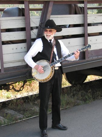 Kettle Valley Steam Railway: Entertainment