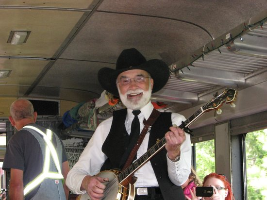 Kettle Valley Steam Railway: Sing along