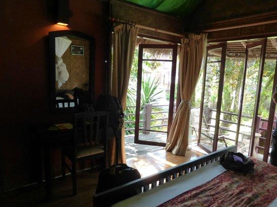 Ban Sabai Riverside Bungalow: Room