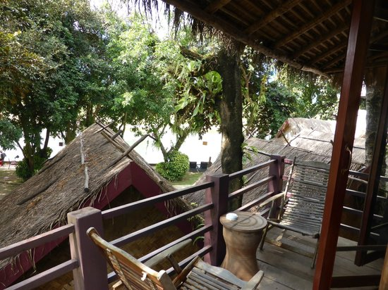 Ban Sabai Riverside Bungalow: Balcony