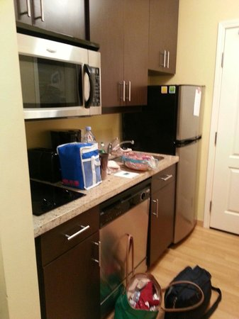 TownePlace Suites Erie: Forgot to mention it has a dishwasher as well as the oven, microwave, 2 stove top burners, fridg