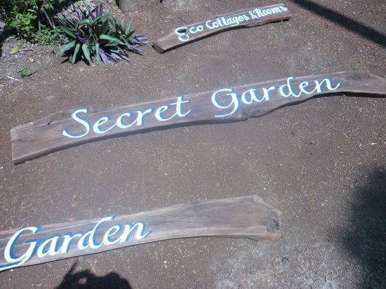 Secret Garden Resort: In the garden