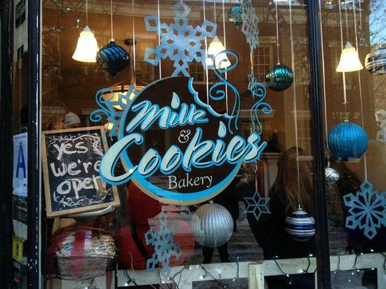 Foods of New York Tours: Cookies right from of the oven at Milk and Cookies