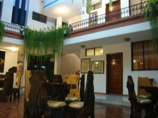 Hotel El Indio Inn: El área de reunión en el Hotel