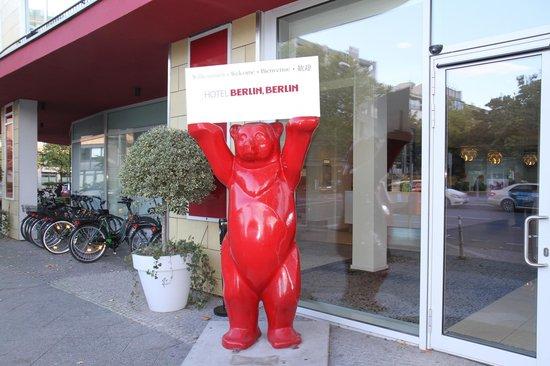 Hotel Berlin, Berlin: Indgang til Hotellet