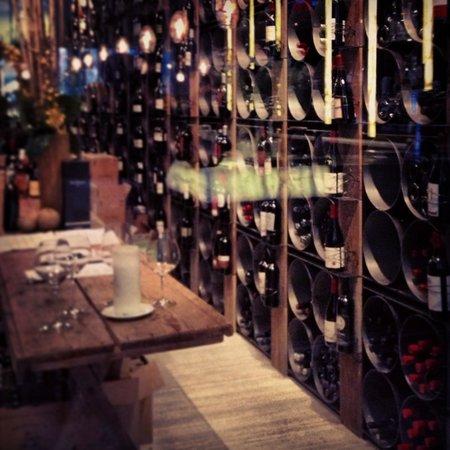 Hockley Valley Resort: Wine Cellar